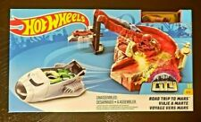 Hot Wheels City Road Trip to Mars Playset Track Builder Alien Action w/1:64 Car