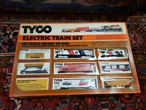 Tyco HO electric train complete set Spirit Of '76 diesel Alco Century 430 244