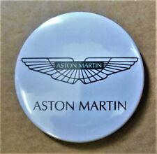 SUPERBE Magnet Aimant Frigo Logo Aston Martin Diamètre 56 mm Neuf