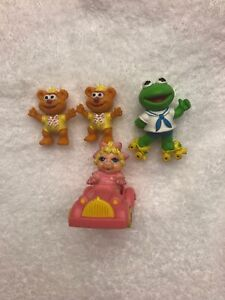 Vintage 1986 Ha! Baby Kermit Fozzy Miss Piggy Roller Skates Car Muppets Figures