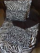 ZEBRA TWIN COMFORTER SET & COMPLETE ROOM DECOR LOT BLACK AND WHITE *EUC*