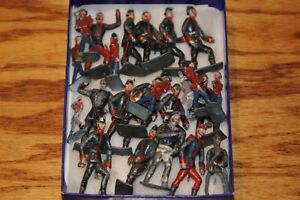23 Assorted VINTAGE antique Lead TOY LOT Soldiers 23 Piece Old Toy Soldier Lot..