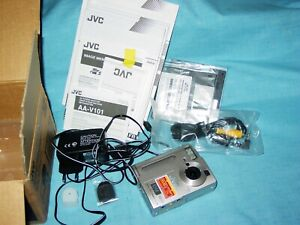 JVC    GC  -  S  5       1,5  MP