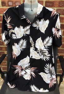 New Look Men Black Beige Green Floral Holiday Shirt - Size M - Short Sleeved