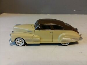 SIGNATURE MODELS 1948 CHEVY AEROSEDAN FLEETLINE DIECAST CAR 1/32