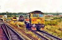 PHOTO  1984 CLASS 47 NO 47460 A T CULLODEN RAILWAY STATION IN 1984 CLASS 47 NO 4
