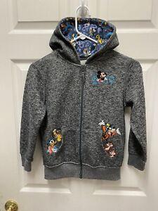 Walt Disney World 2019 Embroidered Hoodie Mickey Donald Goofy Chip Dale Pluto M