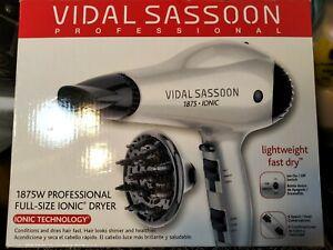 Vidal Sassoon Professional Ionic Full Size Ionic Hair Dryer 1875W NEW VS785PK3
