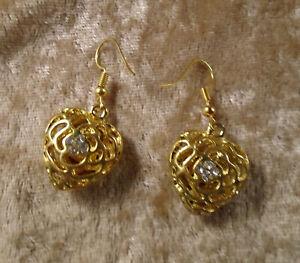 """1"""" Drop Gold Filagree & Rhinestones Heart Pierced Earrings"""