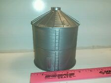 1/64 Silver Standi Toys Grain Bin 6000 bu Ertl Farm Toy Building display