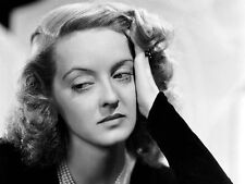 BETTE DAVIS UNSIGNED PHOTO - 7414 - THE ANNIVERSARY, ALL ABOUT EVE & MADAME SIN