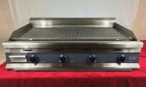 Charcoal Grill 4 Burner, Natural Gas EN40
