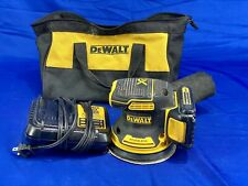 DEWALT DCW210 20V Random Orbit Palm Sander Kit (34655-4)
