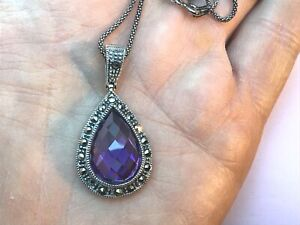 A BEAUTIFUL AMETHYST C.Z. & MARCASITE PEAR SHAPE PENDANT & CHAIN, ITS LOVELY !!