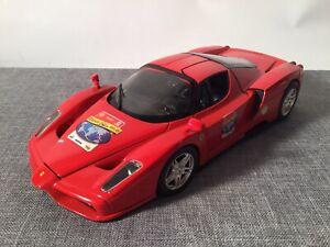 Ferrari Enzo von Hot Wheels in 1:18