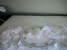 19Pc White And Silver Table Accessories