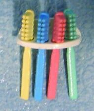TOOTHBRUSHES IN HOLDER DOLLS HOUSE BATHROOM 1;12TH SCALE ***FREE UK POST***