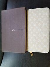 Louis Vuitton Zippy Wallet BRAND NEW MINT CONDITION Beige Zip Around