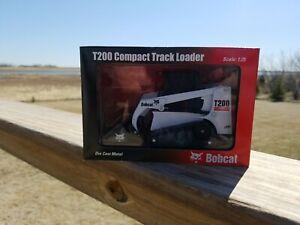 1:25 Scale Toy Bobcat Skid Steer Loader Model T200