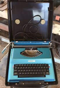 APOLLO 12-GT Blue Electric Typewriter  Great Condition BOXED READY TO SHIP!!!!