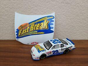 2002 2001 #29 Kevin Harvick Reeses Fastbreak 1/43 Winner's Circle NASCAR Diecast