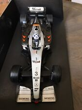 "F1 McLaren-Mercedes MP4-17 ""West"" David COULTHARD, MINICHAMPS 1/18 Neuf"