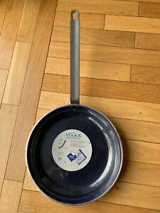 "Vogue Aluminium Non-stick Teflon Frying Pan – 360mm x 55mm (14.2"" x 2.2"")"