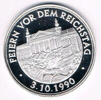 Medaille  -- Feiern vor dem Reichstag - 3.10.1990 -- 15g 999er  Silber  (Box 40)