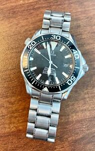 A GENUINE GENTS STAINLESS STEEL OMEGA SEAMASTER 300 BRACELET WATCH !!RUSTY!!