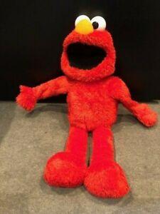 Big Hug Me Elmo Sesame Street Hugs 22in, works, in great condition