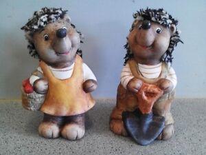 Igelpaar mit Wollhaare Korb und Spaten aus Keramik 2 Stück Nr. 629