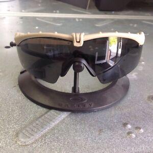 Oakley Si Ballistic M frame 3.0 dark bone w/Grey lenses