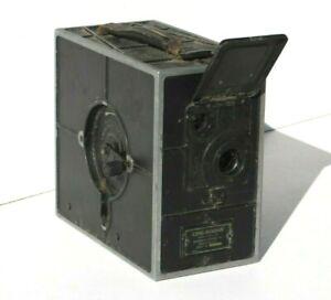 Eastman CINE-KODAK - 1923 VINTAGE 16mm HAND CRANK MOTION PICTURE / MOVIE CAMERA