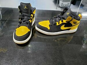 Air Jordan 1 Mid New Love (PS) sz 2Y 640734-035 Yellow Black Sneakers