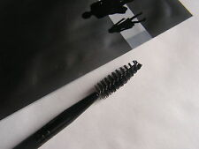 FASHION MAKE UP   PINCEAU  GOUPILLONS CILS NOIR NEUF