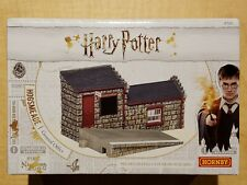 NEW Hornby Harry Potter Hogsmeade Station/General Office OO Scale
