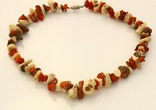 NECKLACE made of pieces of red and white coral