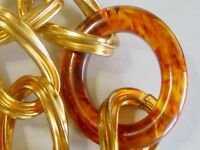VINTAGE GOLD CHAIN & TORTOISE SHELL ROOTBEER SWIRL BAKELITE OVAL LINK NECKLACE