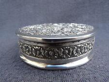 magnifique boite à bijoux ou à poudre en argent massif signe DAC décor de rose
