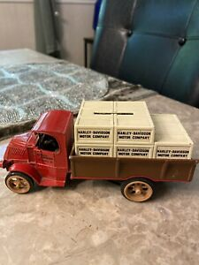 Vintage ERTL 1925 Mack Truck Bank Harley Davidson Crates Made In USA