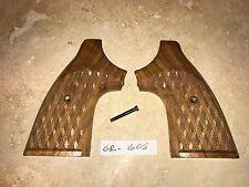 Heretts Vintage Basketweave Walnut Colt Python Grips
