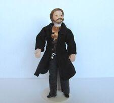 1:12 - Miniatur Porzellan Puppe- feiner Herr im Gehrock - Puppenhaus