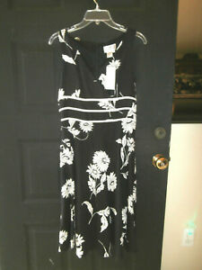 NWT NEW ADRIANNA PAPELL DRESS SIZE 6 SMALL MEDIUM LINEN BLACK WHITE FLORAL