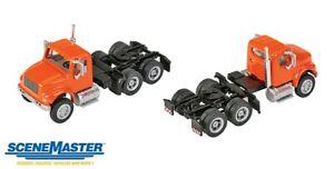 Walthers SceneMaster-Intl 4900 2-Axl Trctr Orn - HO