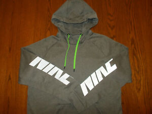 NIKE THERMA-FIT GRAY REFLECTIVE HOODED SWEATSHIRT MENS MEDIUM EXCELLENT COND.