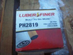 Engine Oil Filter Luber-Finer PH2819