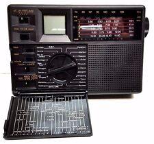 DAMARK GRUNDIG Traveller II 7 Band AM/FM/SW Digital LCD Travel Radio New In Box!