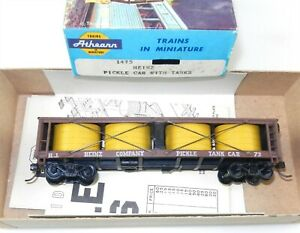 Athearn HO #1475 Heinz PICKLE CAR WITH TANKS - Built RTR ~ T124