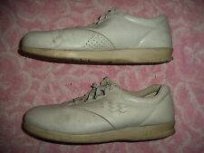 SAS SHOES WOMENS SIZE 11  M