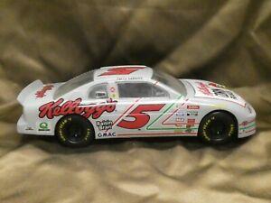 1995 Monte Carlo #5 Kellog's Corn Flakes Racing Champions Nascar 1/24 Labonte